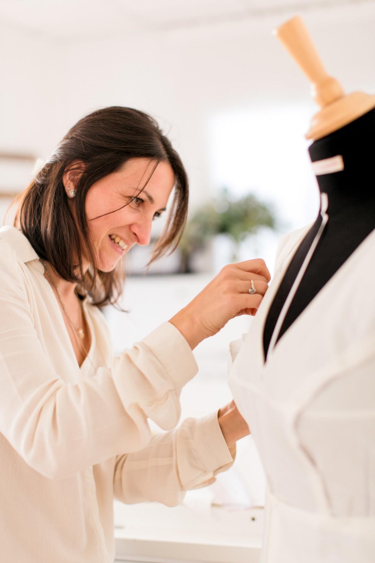La créatrice nantaise Laetitia Drouet réalise des robes de mariée unique et sur mesure une véritable passion