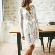 pauline kimono en dentelle pour la mariée