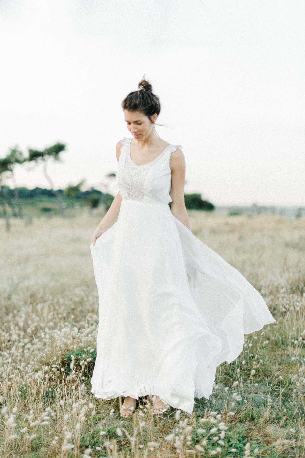 Ambre robe de mariée dentelle vegétal