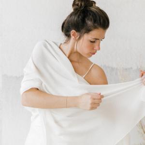 étole en crêpe de soie pour la mariée modèle sarah