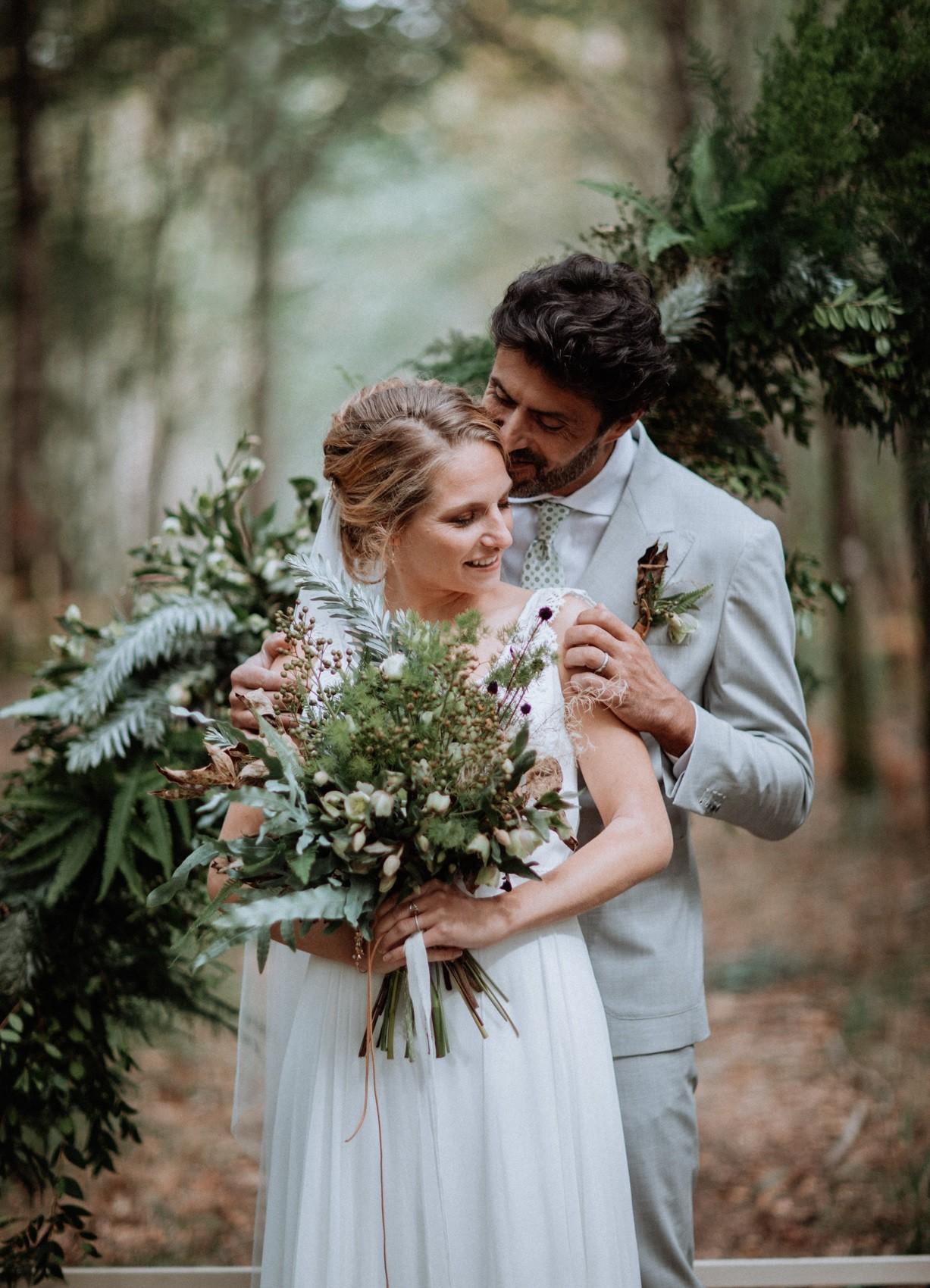 photo de couple en pleine nature à l'automne