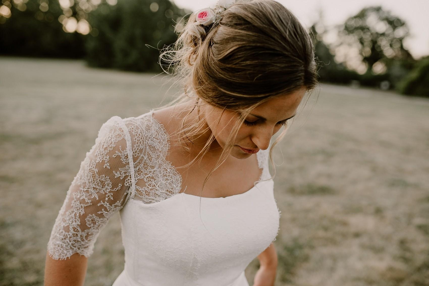 robe de mariée tendance en dentelle chantilly