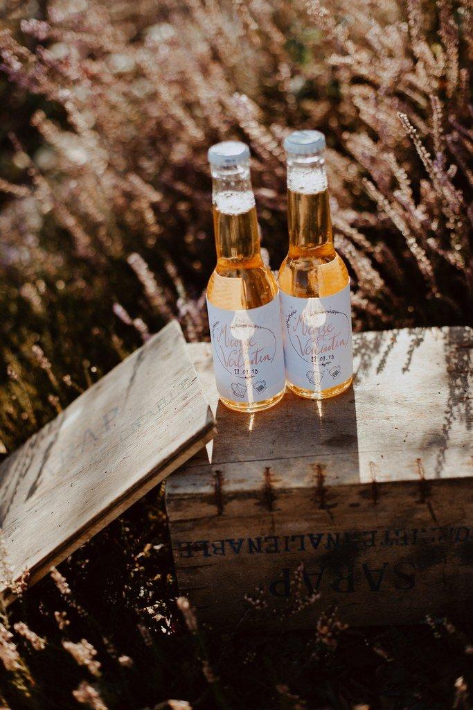 Les témoins avaient préparé des surprises pour les mariés.