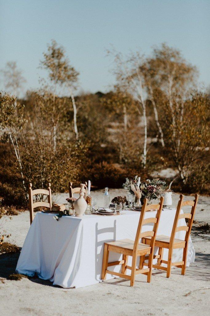 Une belle décoration de table au couleur nude.