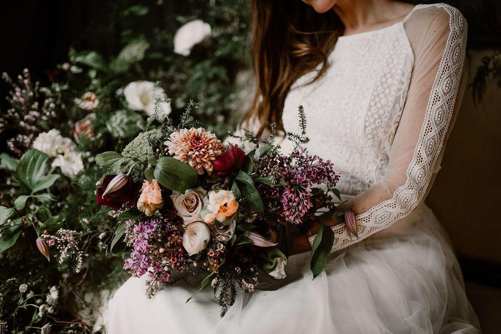 Belles couleurs vives pour ce bouquet de mariage réalisé par petite fleur nantes.