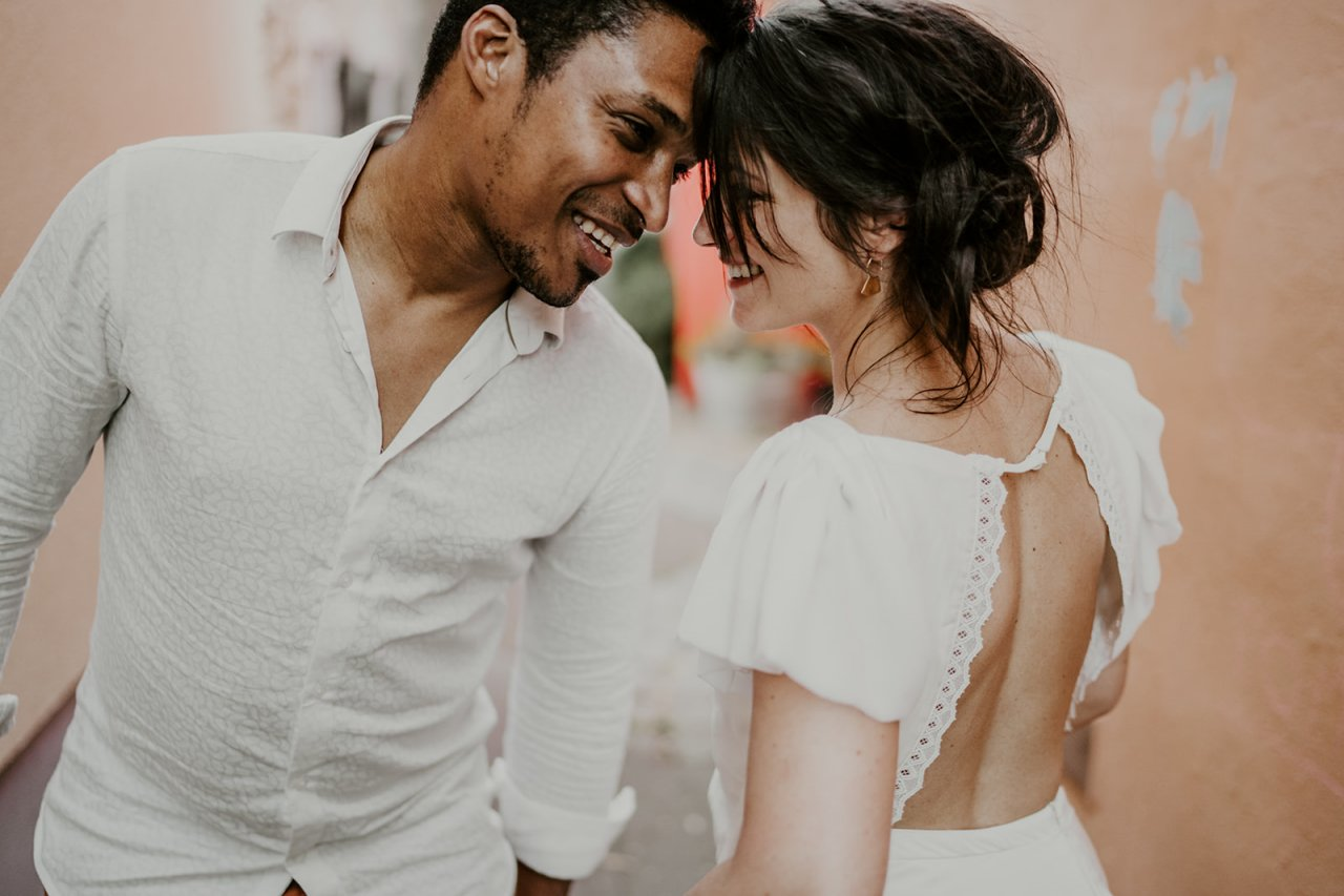 Un mariage qu'on imagine en Espagne mais qui c'est finalement déroule à trentemoult à Rezé près de Nantes. Une belle idée signé l' atelier wedding.
