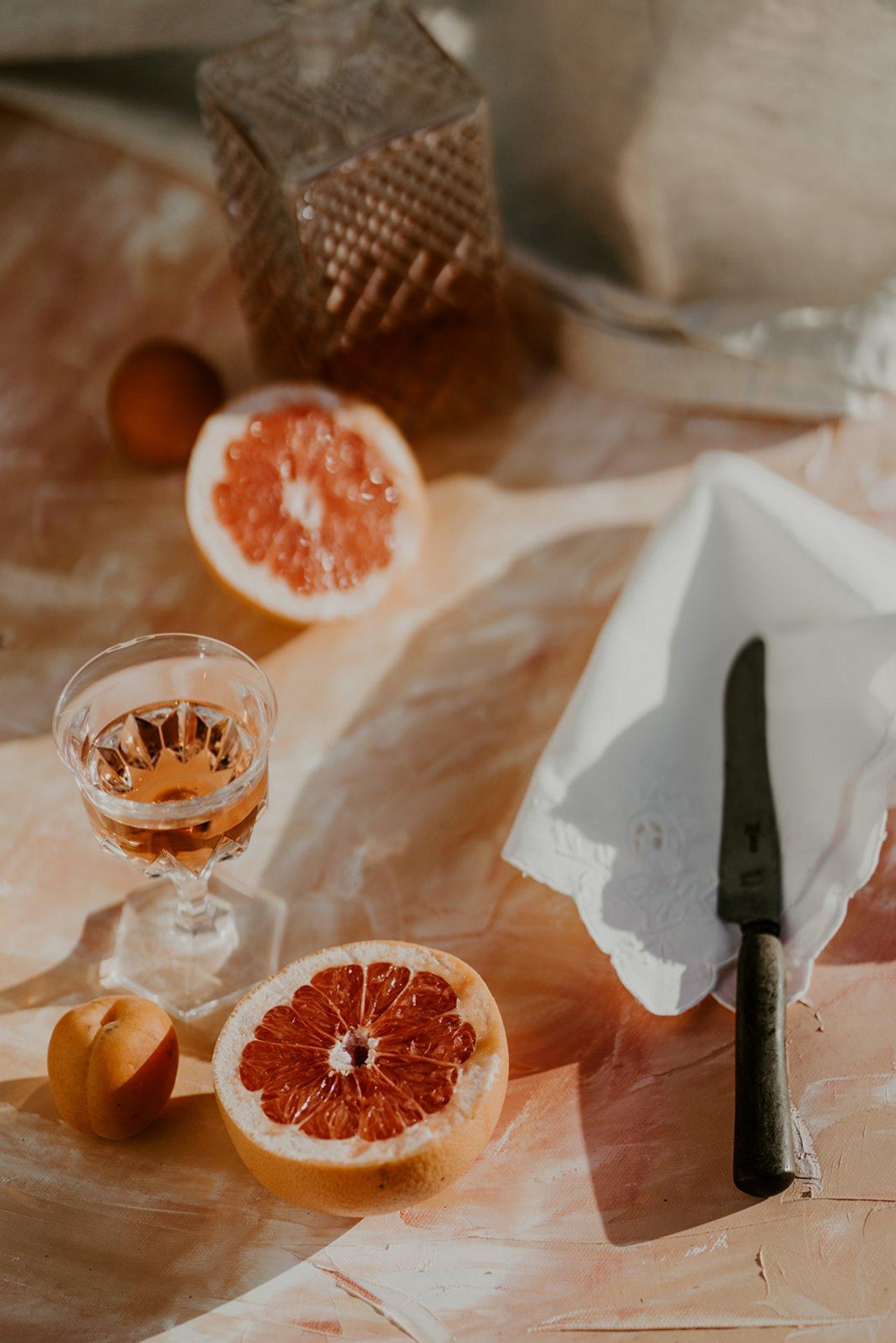 C'est une belle idée pour décore la table de son mariage. Des agrumes juste coupé en deux.