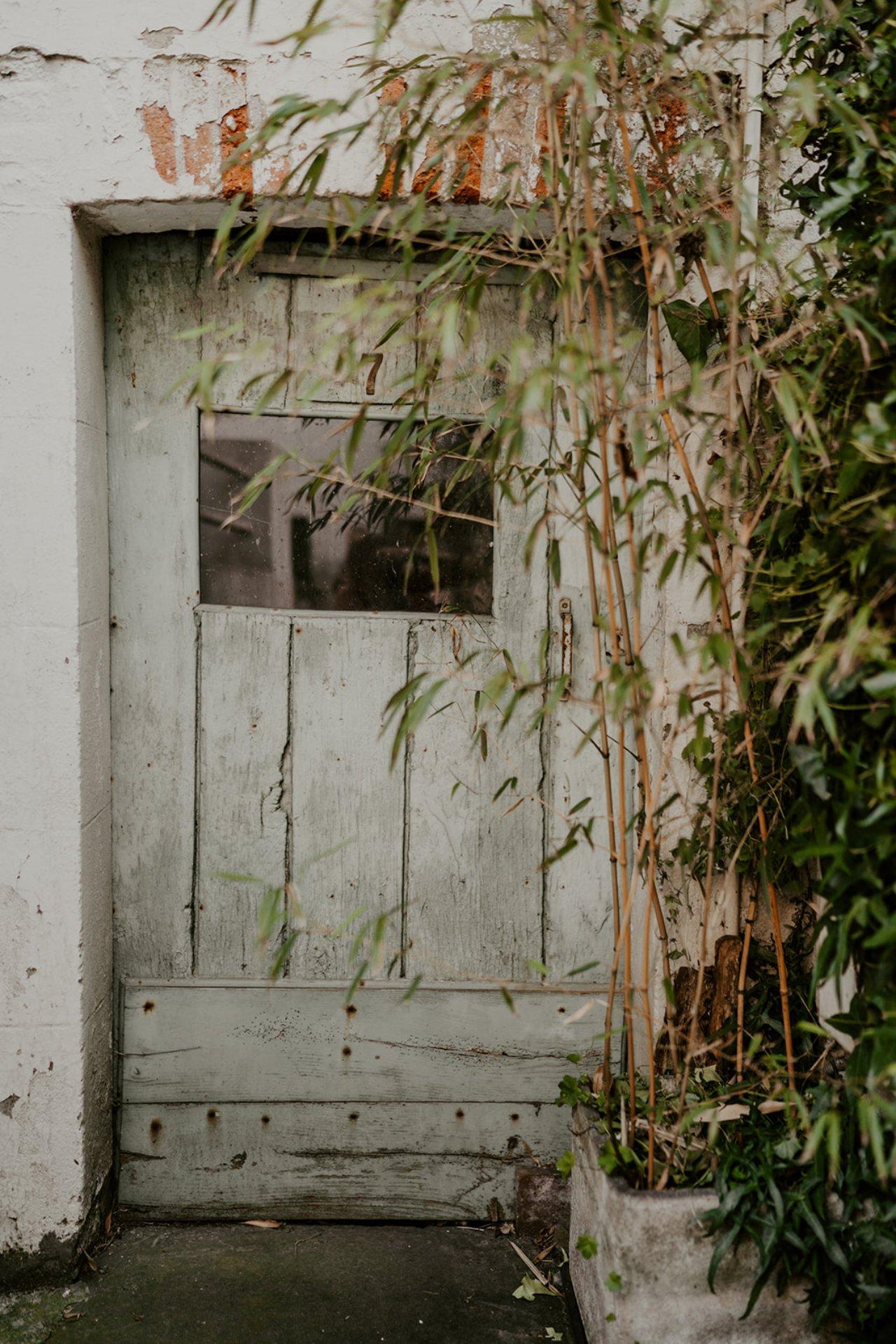 Les ruelles de trentemoult ancien village de pêcheurs à Nantes, idéal pour des photos de mariage.