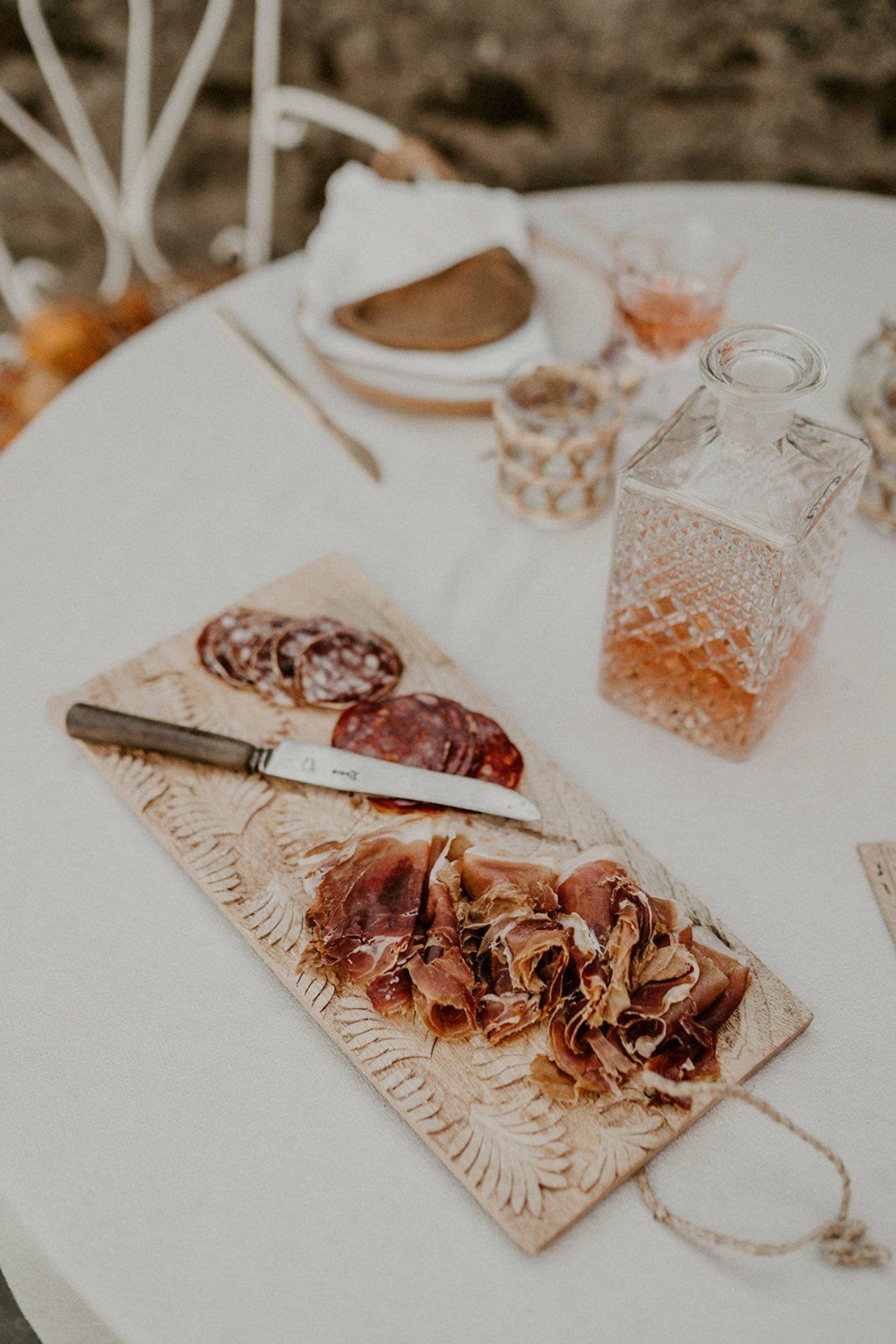 Joli shooting d'inspiration espagnole organisé par l'atelier wedding salon du mariage de Nantes.