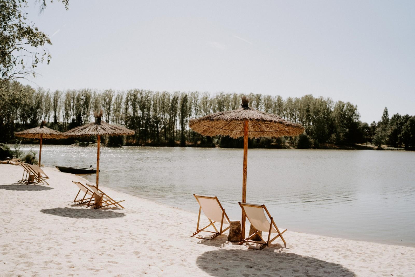 Le domaine au détour de l'ile est situé a 20 minutes de Nantes et dispose d'une plage privé.