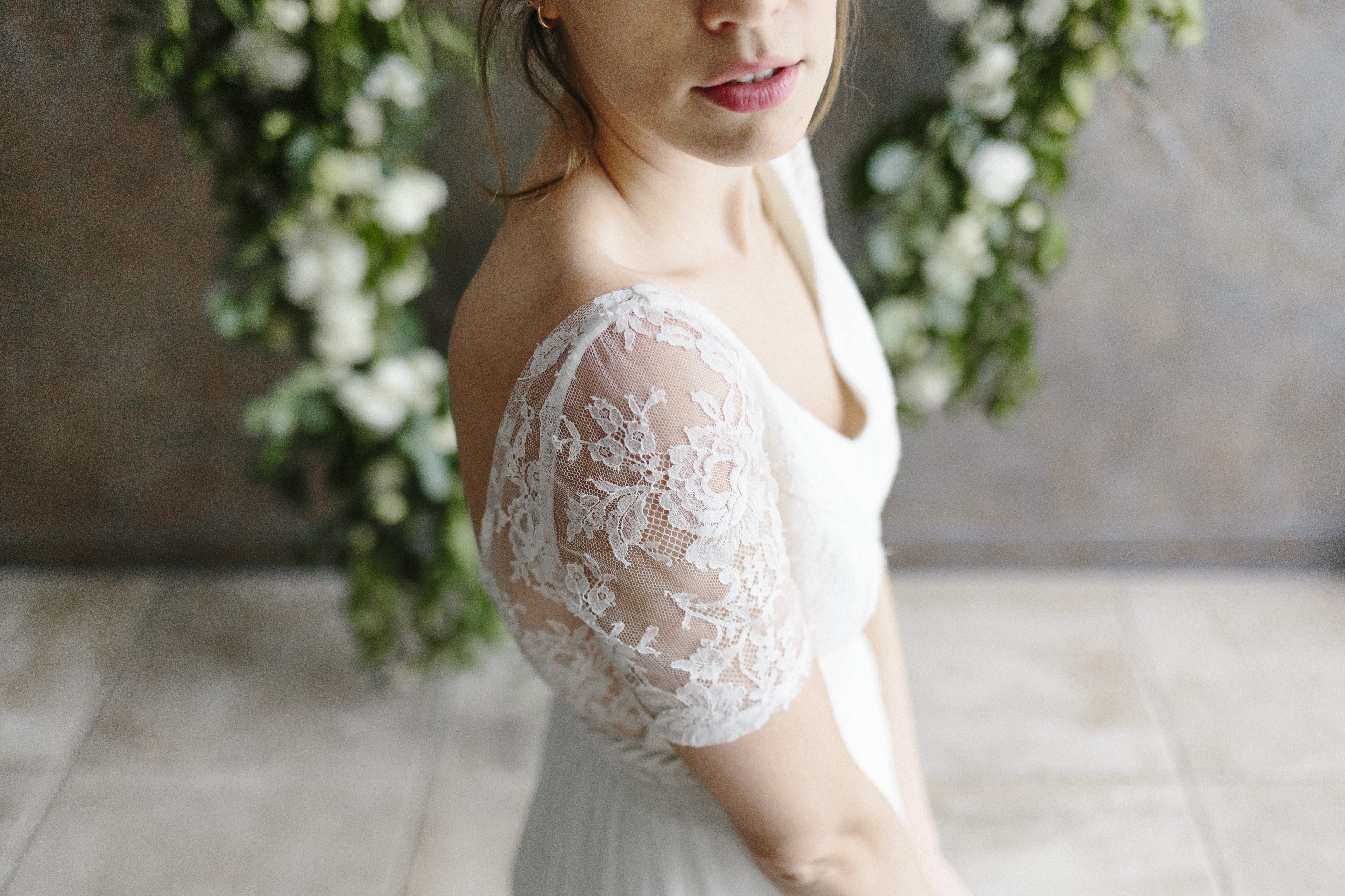 Découvrez nos robes de mariée fabriquées entre Nantes et Angers.