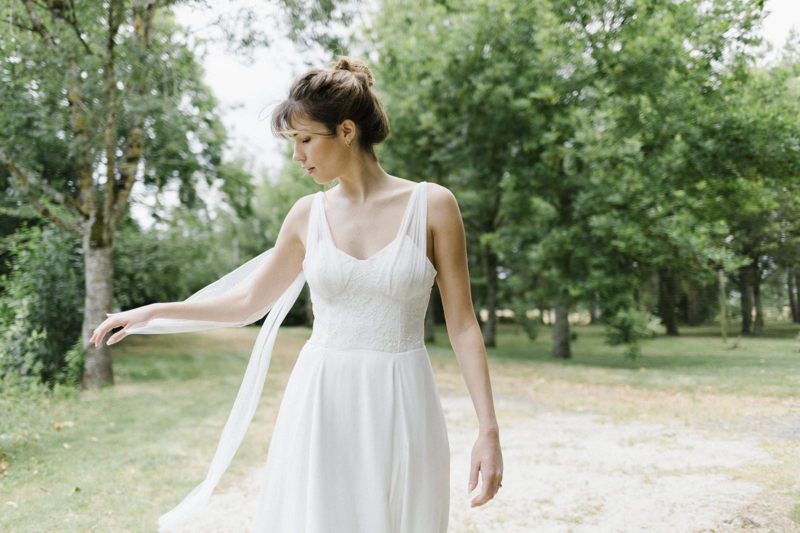 La robe Gaia est une robe de mariée zero dechet en tencel.