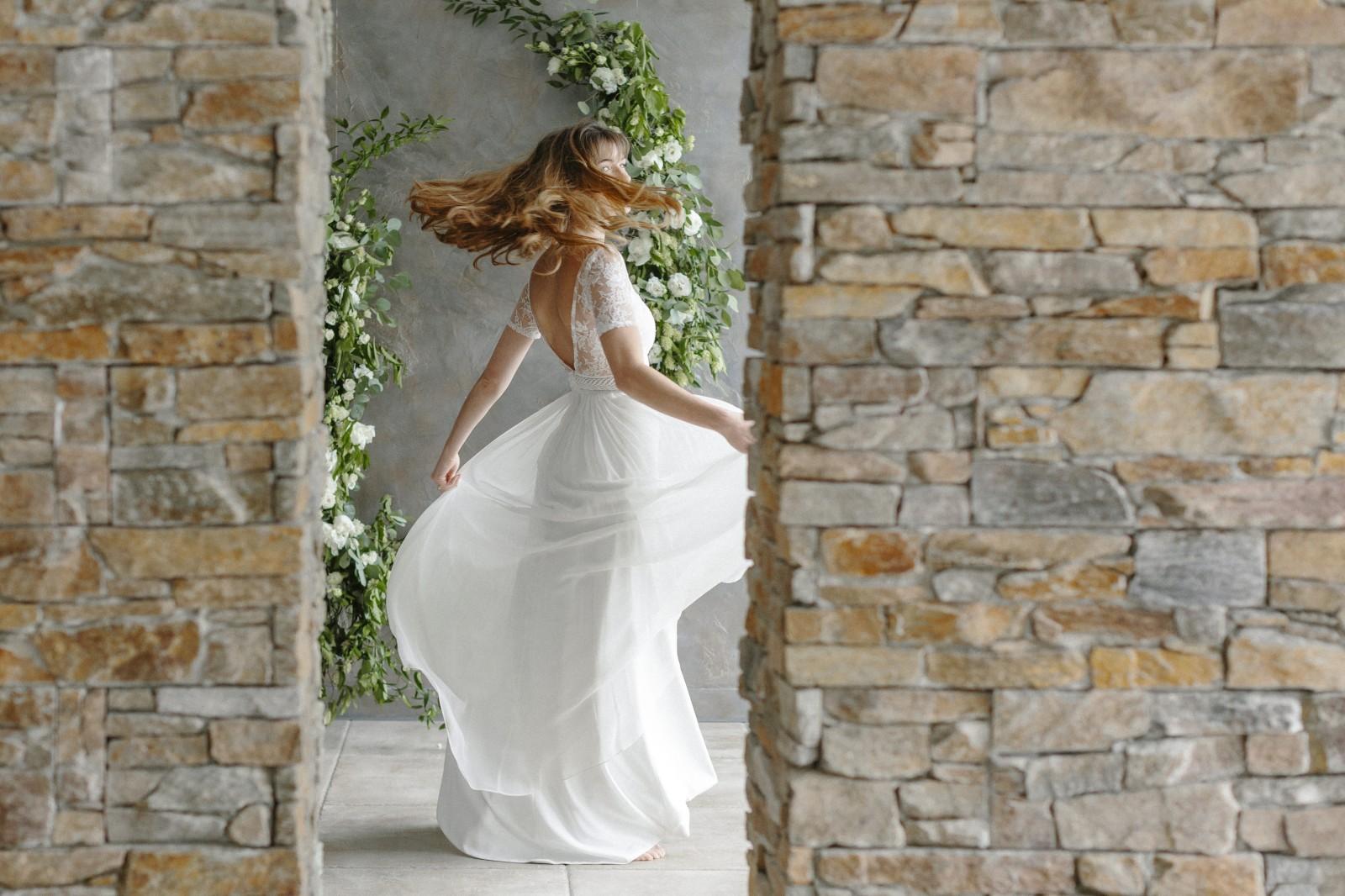 Clement est une robe bohème composé de soie.